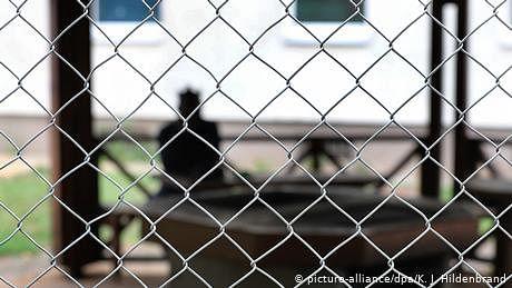 کورونا وائرس کی وبا اور برلن کے مہاجر کیمپ میں افراتفری