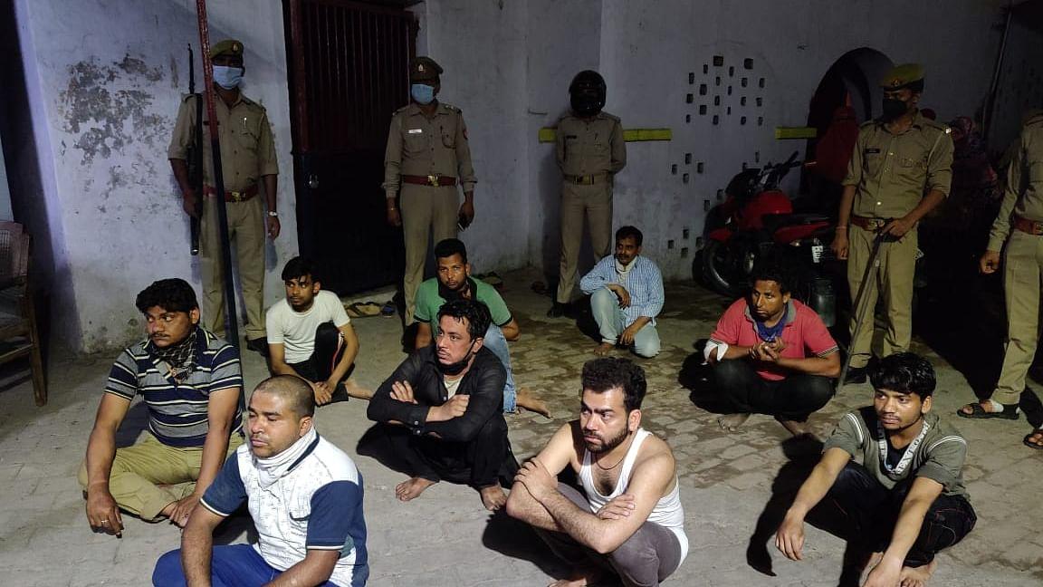 مرادآباد: کوارنٹائن کرنے آئی میڈیکل ٹیم پر حملہ افواہوں کی وجہ سے ہوا، عوامی نمائندے ندارد