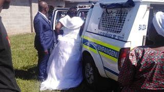 لاک ڈاؤن میں شادی کرنے کا بھگتنا پڑا خمیازہ، دولہا-دلہن سمیت درجنوں مہمان گرفتار