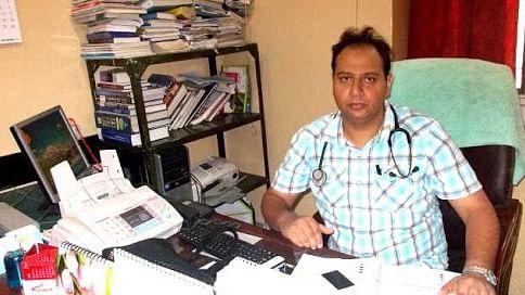 کورونا سے صحتیاب ہونے والے مریض عام لوگوں کی طرح ہوتے ہیں: ڈاکٹر نوید شاہ