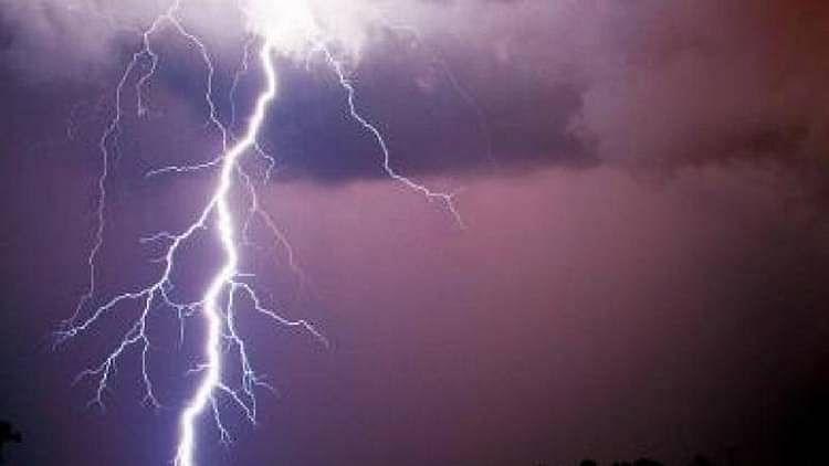 بہار میں آسمانی بجلی گرنے سے 12 افراد ہلاک، 7 جھلسے