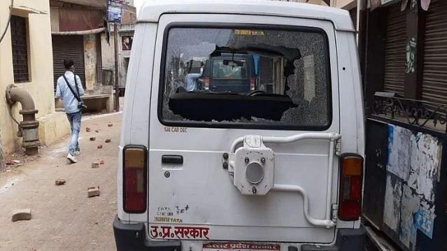 یو پی: مرادآباد میں 'کورونا ٹیسٹ' کےلیے پہنچی میڈیکل ٹیم پر حملہ، کئی زخمی