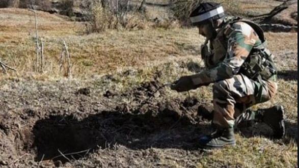 ہندوستان اور پاکستان سرحد پر غصہ اپنا نکال رہے ہیں، تباہ ہم ہو رہے ہیں: سرحدی مکین