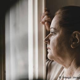 کورونا وائرس اور ذہنی صحت: 'ہم معاشرتی تنہائی کے ليے نہیں بنائے گئے'