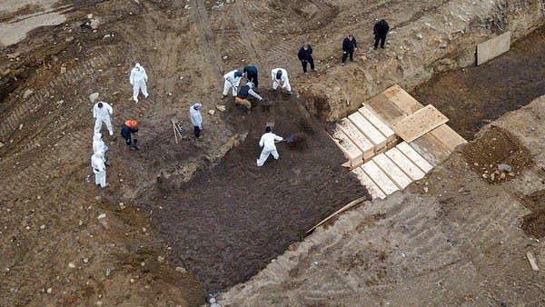امریکہ میں میتوں کے لئے قبرستان کا بحران، جزیرے پر تیار کی گئی اجتماعی قبر