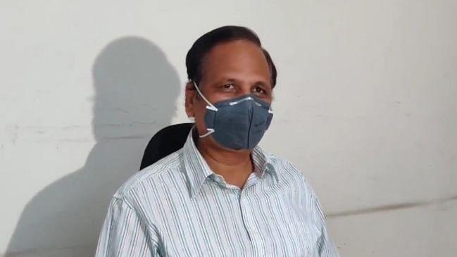دہلی کے وزیر صحت میں نظر آئی کورونا کی علامت، تیز بخار کے بعد اسپتال میں داخل