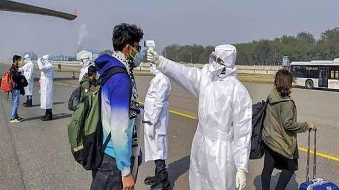 قومی آواز بلیٹن: طلبا کی کوٹہ سے دہلی واپسی؛ مزدوروں کی نقل حمل میں 4 گرفتار؛ خواتین حکمران زیادہ کامیاب