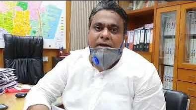 حکومت جرات مندانہ فیصلہ کر کے خانگی اسپتالوں کو اپنے کنٹرول میں لے: رئیس شیخ