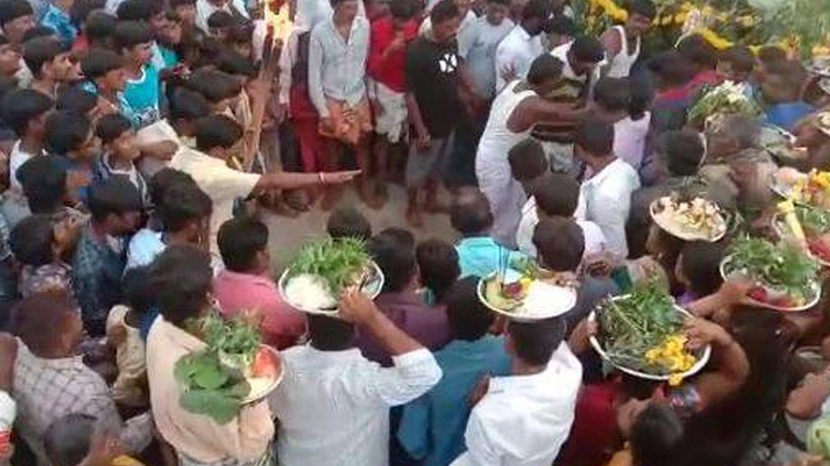 کرناٹک: لاک ڈاؤن میں کیوں لگا مذہبی میلہ، کیسے پہنچ گئی اتنی بھیڑ؟