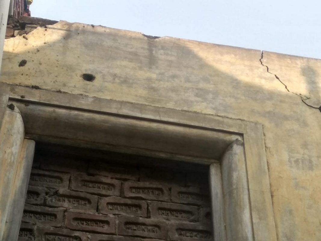 ہاشم پورہ کی کچھ دیواروں پر آج بھی گولیوں کے نشان موجود ہیں / آس محمد