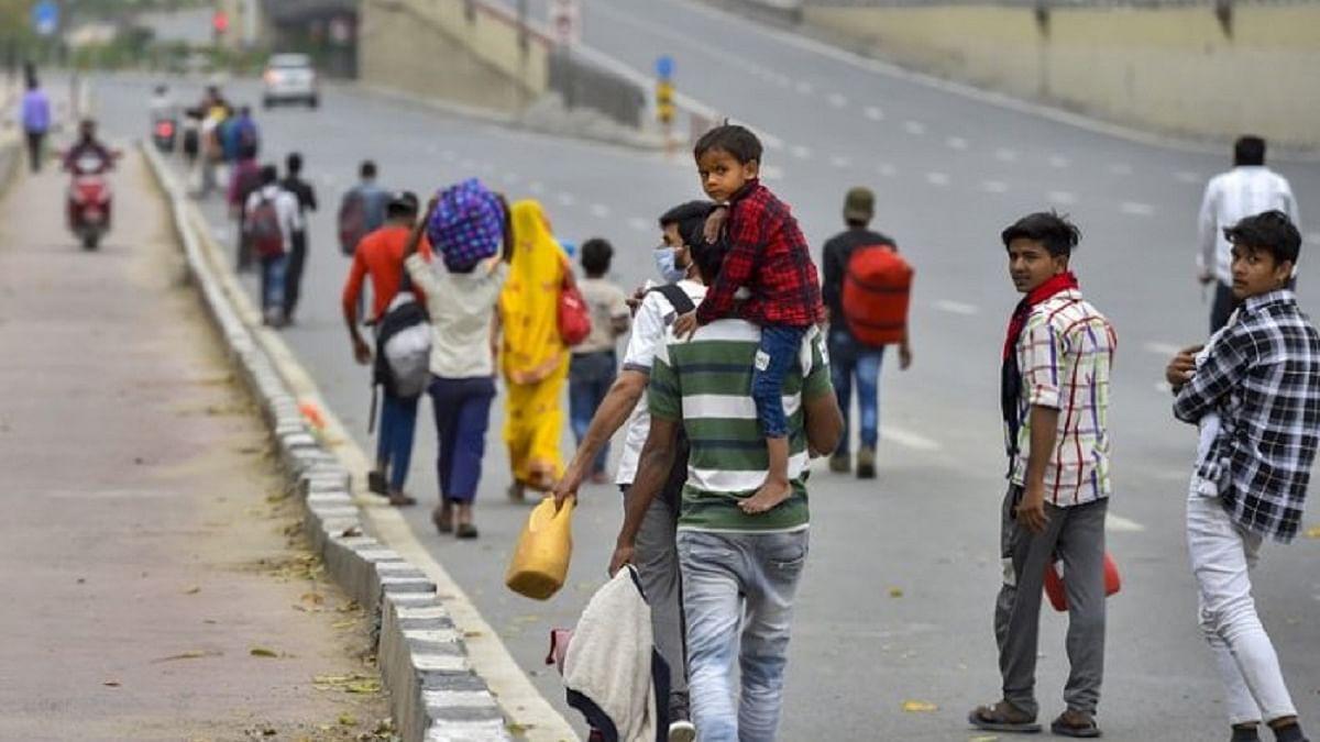 پریشان حال مزدوروں کے لیے  مسیحا بنکر سامنے آئے نوی ممبئی کے  کارپوریٹر منور پٹیل