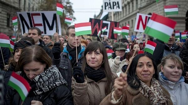 ایک یورپی ملک کی پارلیمان 'خواتین کے حقوق' کے خلاف