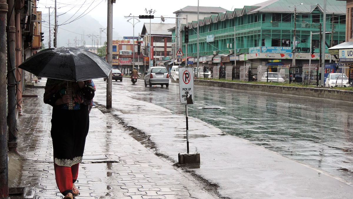 کشمیر میں رم جھم بارشیں، اگلے ہفتے تک موسم خراب رہنے کی پیش گوئی