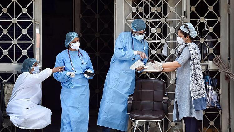 'ہو سکتا ہے دنیا سے کبھی نہ جائے کورونا وائرس'