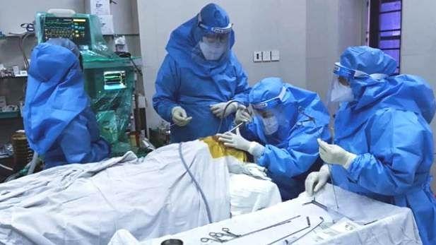 قومی آواز بلیٹن: سمبت پاترا پر کورونا کا خطرہ، اسپتال میں داخل؛ ٹی-20 عالمی کپ پر قیاس آرائیاں جاری