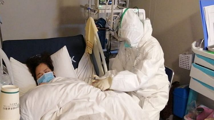 کورونا وائرس: ملک میں اب تک 1301 افراد ہلاک،  24 گھنٹوں کے دوران 2644 نئے معاملے آئے سامنے