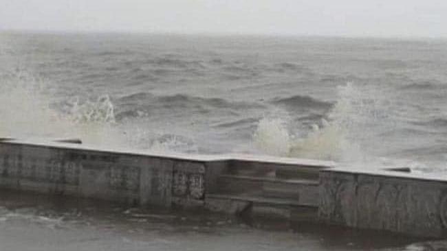 امفان: اڈیشہ اور بنگال میں تیز ہواؤں کے ساتھ بارش، بحریہ راحت کاری کے لیے تیار