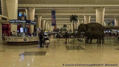 'مقدمے کا خوف' دو مہینے دہلی ایئر پورٹ پر ہی گزار دیے