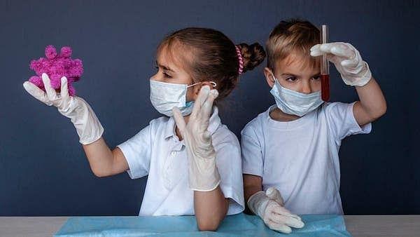 بڑوں  کے مقابلہ بچے کم پھیلاتے ہیں کورونا وبا