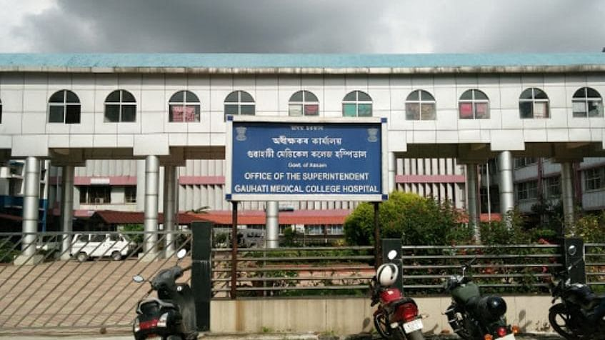 گوہاٹی میڈیکل کالج میں ایک ڈاکٹر کورونا پازیٹو، میڈیکل کالج فوری طور پر بند