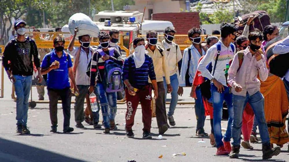 دہلی: مزدوروں کو غیرقانونی طریقہ سے لے جانے والے 4 لوگ گرفتار