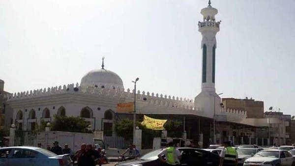 مصر میں کورونا سے متاثرہ امام کے پیچھے نماز پڑھنے والے 20 افراد کی تلاش