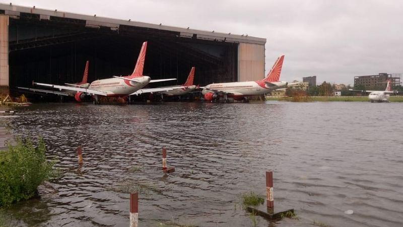 امفان: کولکاتا نے کبھی ایسا طوفان نہیں دیکھا، ایئرپورٹ پر کھڑے طیارے بھی پلٹ گئے