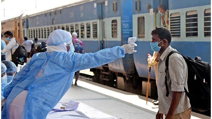 ریلوے کا 12 مئی سے ٹرین چلانے کا اعلان، عام مسافروں کے لئے پیر کی شام 4 بجے سے بکنگ شروع