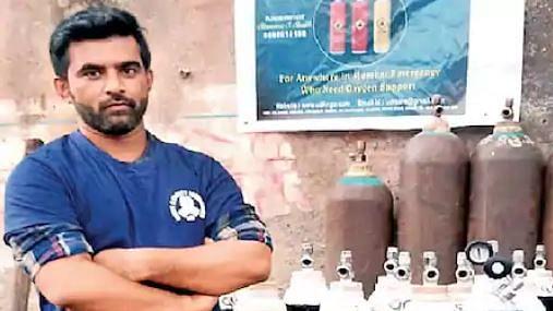 شاہنواز شیخ اپنی 'ایس یو وی کار' فروخت کر 250 فیملی کو مہیا کر رہے آکسیجن سلنڈر
