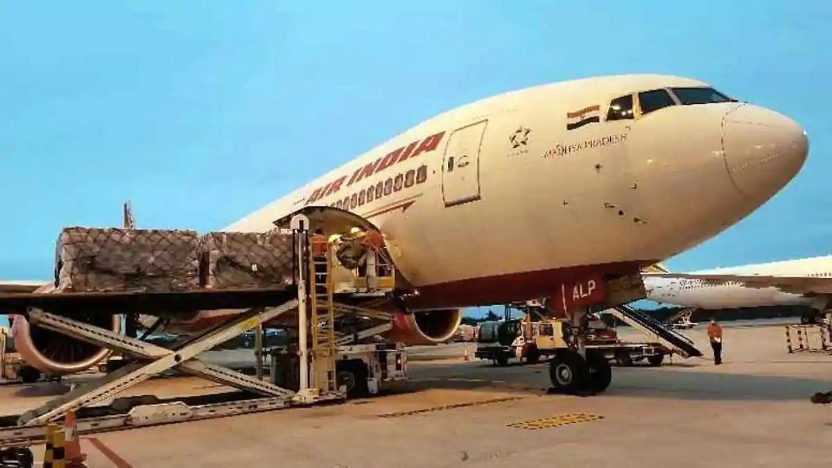 پنجاب: خلیجی ممالک میں پھنسے ہزاروں تارکین وطن کے لئے مزید پروازوں کی اپیل