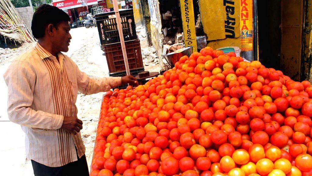 حیدرآباد میں ٹماٹر ہوا لال، قیمت 40 تا 50 روپئے کیلو
