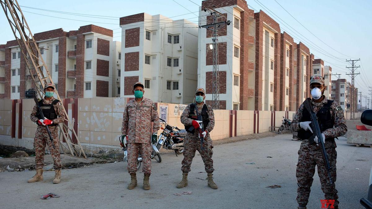 پاکستان نے 'اسمارٹ لاک ڈاؤن' سے کورونا کیسز میں 90 فیصد کمی کا کیا دعویٰ