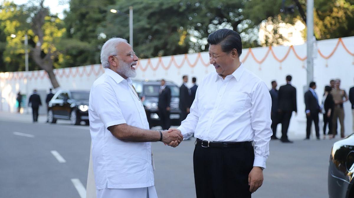 وزیر اعظم نریندر مودی اور چینی صدر شی جن پنگ تمل ناڈو کے ممالا پورم میں (11 اکتوبر 2019)