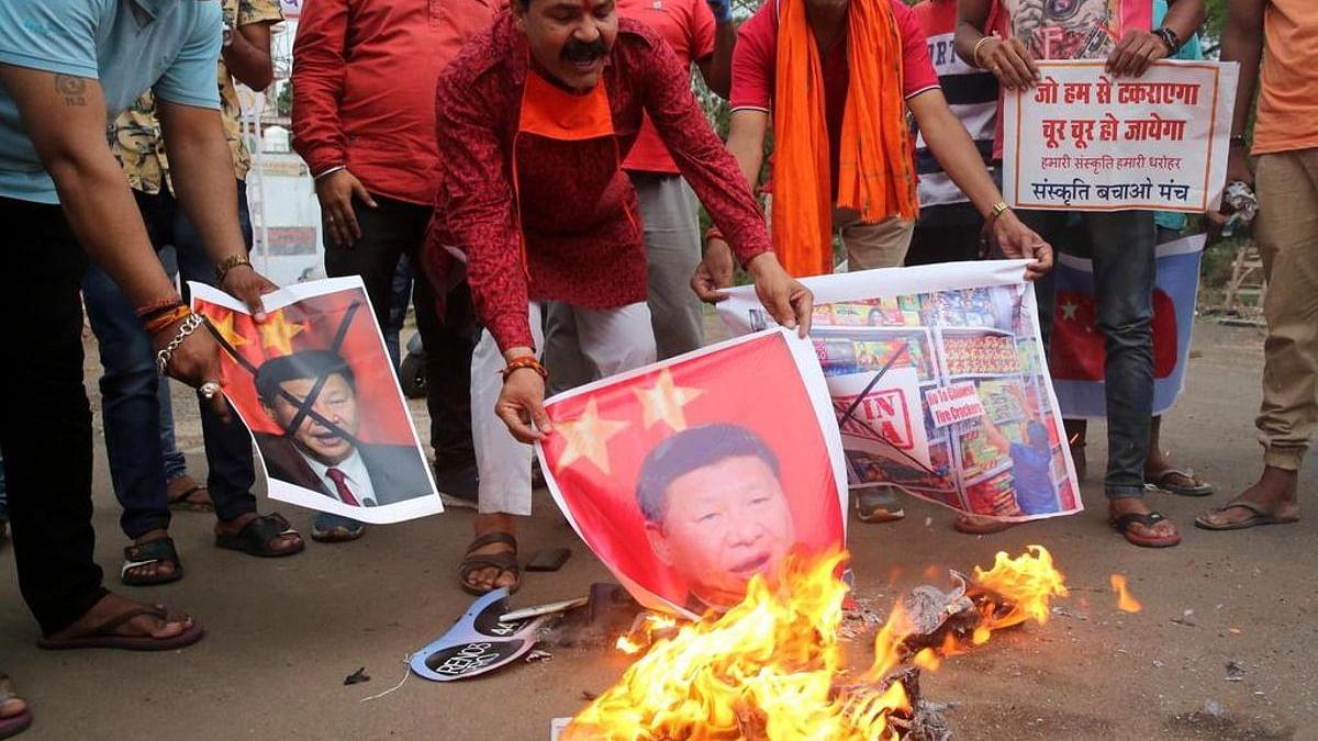 جموں: ڈوگرہ فرنٹ کا چین کے خلاف احتجاج، چینی مصنوعات نذر آتش