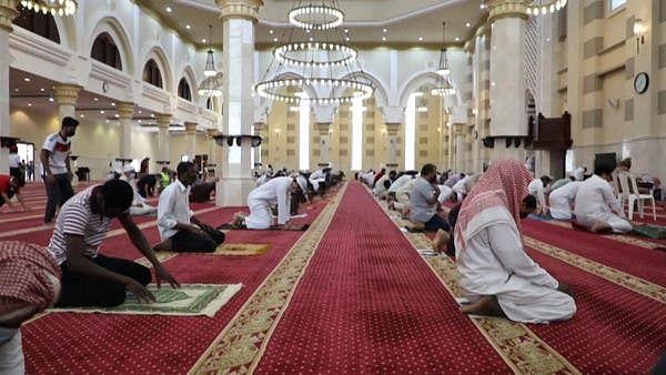 کورونا وائرس: سعودی عرب کی مساجد میں خطبات اور اسباق کی مشروط اجازت