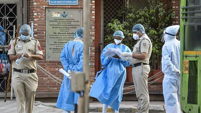 دہلی میں کورونا کے 1647 نئے کیسز، 2463 مریض صحتیاب