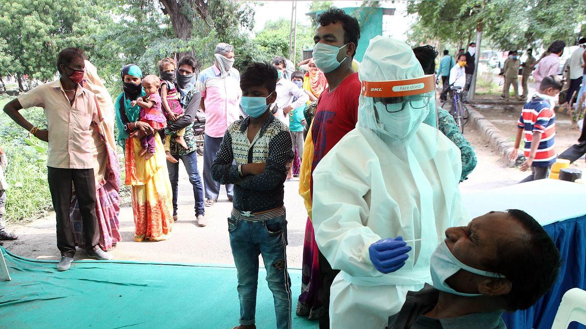 ہندوستان: 24 گھنٹوں میں ایک بار پھر 60 ہزار سے زائد کورونا مریض آئے سامنے