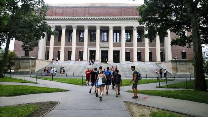 صرف آن لائن کلاسز لے رہے غیر ملکی طلبا کو امریکہ چھوڑنے کا حکم