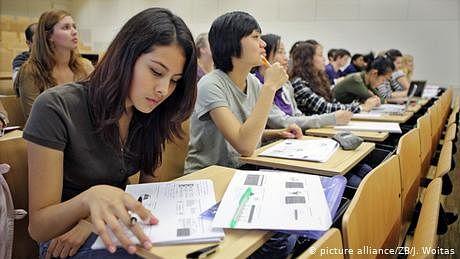 طلبہ کا رخ امریکا اور برطانیہ  کی بجائے جرمنی کی طرف