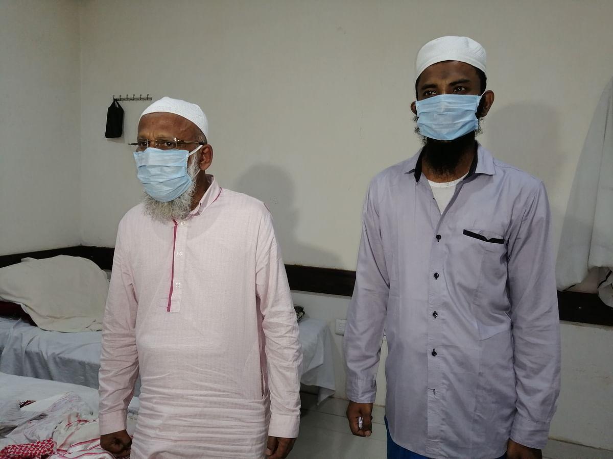 آئی ٹی او واقع جمعیة علماء ہند کے دفترمیں مقیم سری لنکا کے محمد قدیر اور ان کے ساتھی۔ تصویر نواب علی اختر