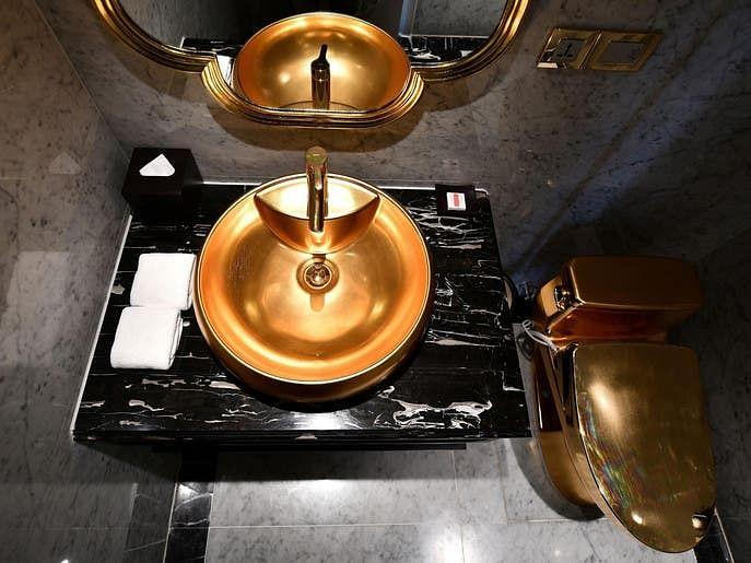 ویتنام کا سنہری ہوٹل: 'باتھ ٹب' سے لے کر 'کافی مگ' تک سب کچھ سونے کا!