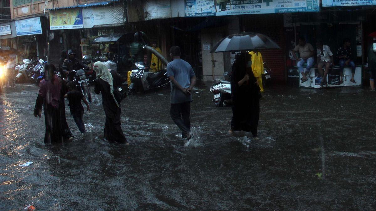 اہم خبریں : ممبئی میں 3 دن سے بارشوں کا سلسلہ جاری، ماہی گیر پریشان