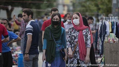 ایران میں کورونا کی نئی لہر پر تشویش