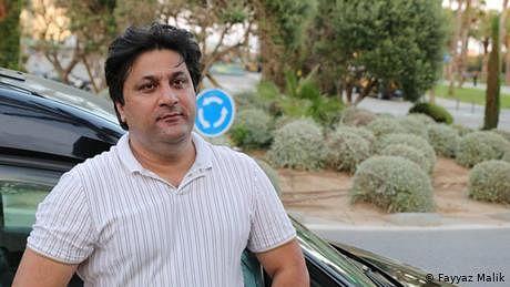 زندگی کی بازی لڑتا، پاکستانی ٹیکسی ڈرائیور