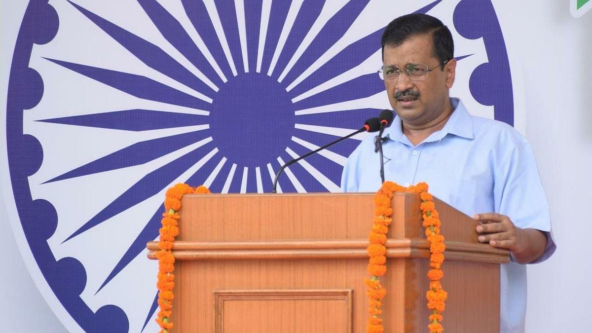 دہلی: یومِ آزادی کی تقریب سے خطاب کرتے وزیر اعلیٰ اروند کیجریوال / تصویر بشکریہ ٹوئٹر @AamAadmiParty