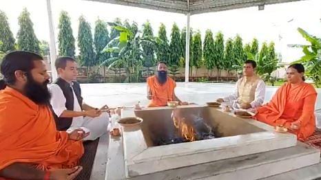 سوشانت سنگھ کو انصاف دلانے کے لیے بابا رام دیو نے کیا 'ہوَن'