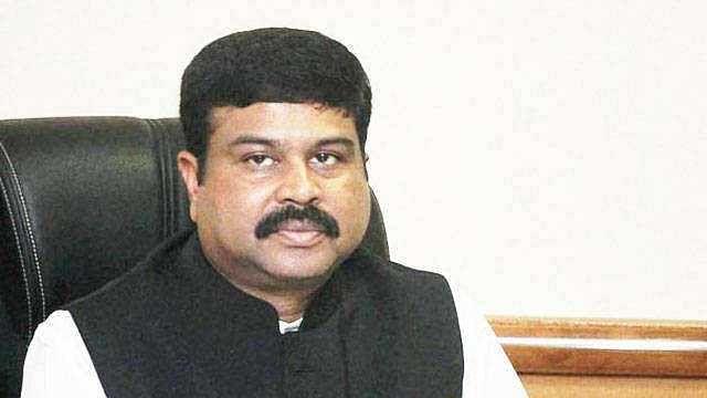 مرکزی وزیر دھرمیندر پردھان نے 'سردی' کو ٹھہرایا رسوئی گیس کی قیمت میں اضافہ کا ذمہ دار