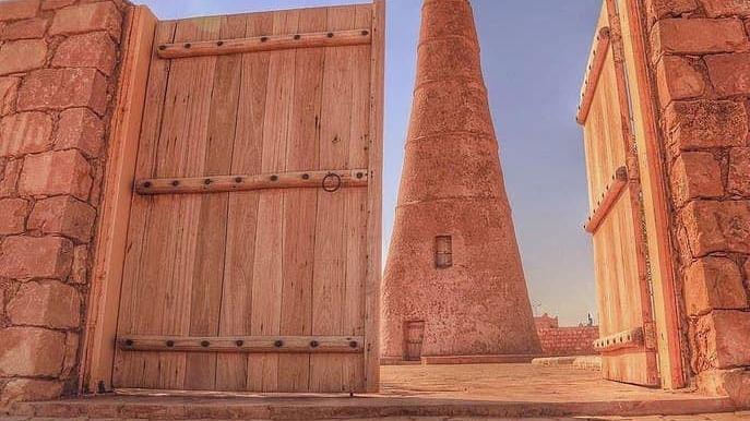 سعودی عرب: ڈھائی سو سال پرانا مٹی کا مینار سیاحوں کی توجہ کا مرکز