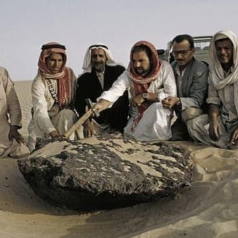 سعودی عرب میں اونٹ کی کوہان کے مشابہ آسمان سےگرنے والے شہاب ثاقب کا قصہ