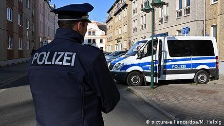 جرمنی: پاکستانی پناہ گزین نے نوجوان مسافر کی پشت میں چھرا گھونپ دیا